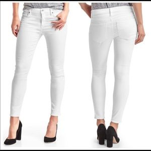 GAP… White Jeans, Size 27 Regular True Skinny